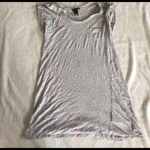 H&M Tops - gray h&m tunic tee size XS