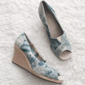 TOMS Shoes - Toms Tye Dye Canvas Denim Espadrille Wedge Sandal