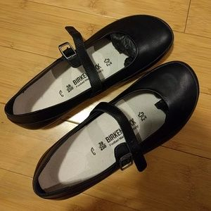 Birkenstock Shoes - 24 hr sale! NWT Birkenstock lismore Mary Jane