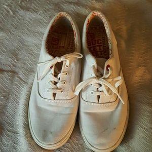 Bucket Feet Shoes - Bucket feet white tennis shoes
