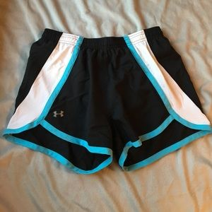 Under Armour Pants - 🌟1hr sale🌟 Under armour running shorts