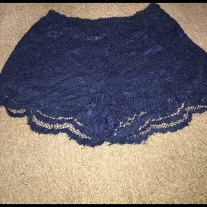 Forever 21 - lace shorts - size 28