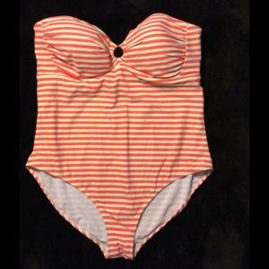 Boden Other - BODEN Women's plus size bandeau striped swimsuit
