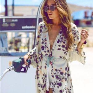 Sweaters - HP! 🏆 Floral Boho Chic Long Kimono Cardigan