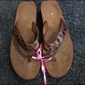Volatile Shoes - Volatile flip-flops!