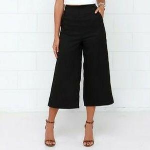 LOFT Pants - BNWOT! Mint condition flowy black capris THE LOFT