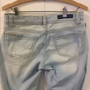 Rock & Republic Light wash Distressed Jeans sz 4M