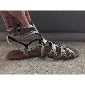 Volcom Shoes - FLASH SALE ⚡️ Volcom Snakeskin Gladiator Sandals