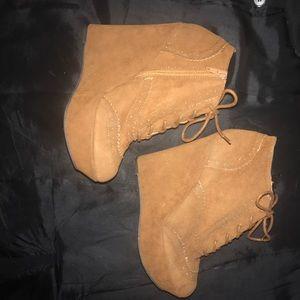 shoedazzle  Shoes - Tan/brown tie-up wedges