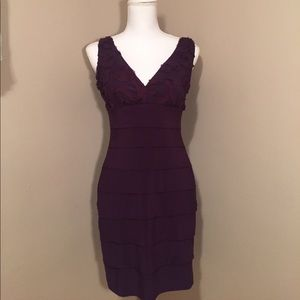 en focus Dresses & Skirts - Beautiful purple V neck dress