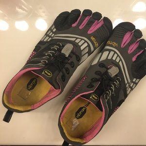 Vibram Shoes - Vibram 5 Fingers Minimalist Shoes