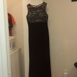 Nightway Dresses & Skirts - Gown