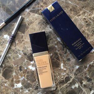 NIB Estée Lauder Perfectionist Makeup