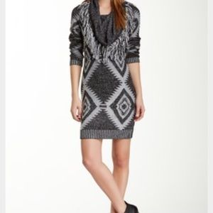 Romeo & Juliet Couture Dresses & Skirts - Romeo + Juliet Slim Fit Printed Sweater Dress