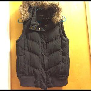 Gap puffer vest with faux fur hood
