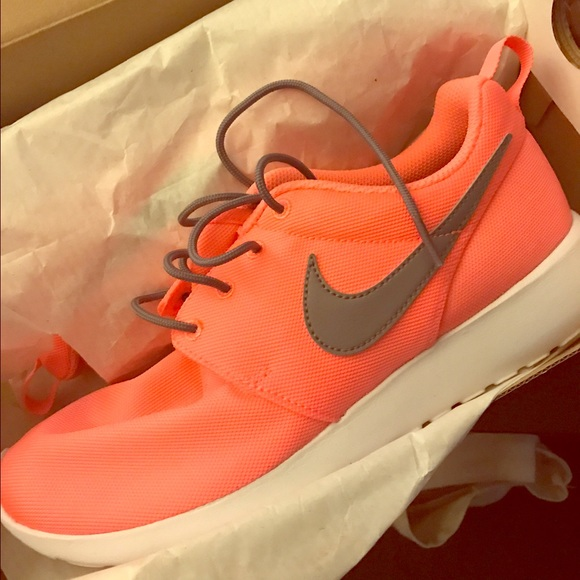 28cd1836ec3f coupon for brand new in box salmon nike roshe one f1b81 57e18