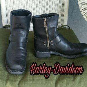 Harley-Davidson Other - HARLEY DAVIDSON Black Square Toe Biker Boots ✨HP✨
