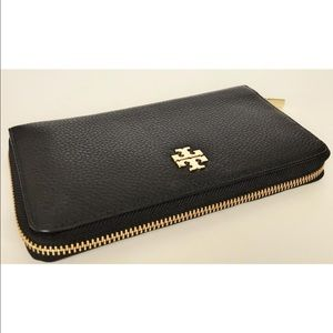Tory Burch Handbags - Brand New Tory Burch Parker Leather Wallet