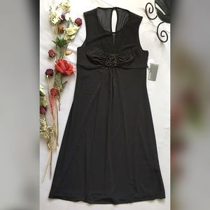 Donna Ricco Dresses & Skirts - DONNA RICCO BLACK SLEEVELESS BEADED DRESS
