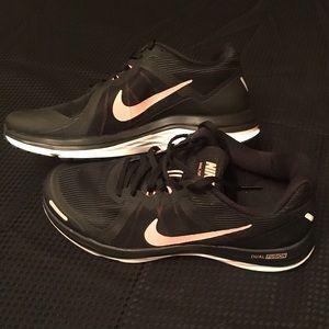 Nike Shoes - NWOT* NIKE 👟