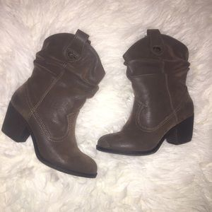 Rocket Dog Shoes - Faux Suede Type Brown Western Cowboy Boots