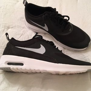 NEW Nike Air Max Thea Black Sneakers 6.5