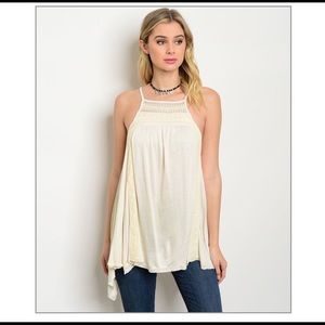 1 HOUR SALE!! BRAND NEW!! Adorable Cream Top