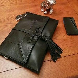 Foley + Corinna Handbags - 🆕Foley+ Corinna Bo Oversized clutch/crossbody bag