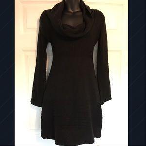 Alyn Paige Dresses & Skirts - 🌹Alyn Paige Casual Mini Dress