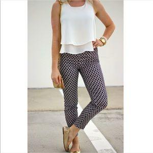 Soho Apparel Pants - EUC Women's Plus Moroccan Trefoil Print Pants 20