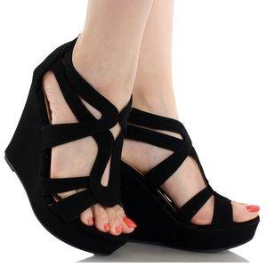 Boutique Shoes - Black Open Toe Wedge