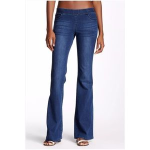 Tractr Denim - Tractr Jeans Low Rise Pull-On Flare Jeans