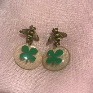 Claire's Jewelry - Bee Earrings