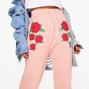 Boohoo Pants - NWT Embroidered High Waisted Joggers
