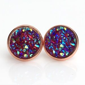 thejeweladdict Jewelry - 3 for 15🎀 Ruby iridescent faux druzy rgold studs