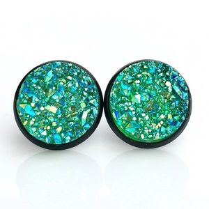 thejeweladdict Jewelry - 3 for 15🎀green iridescent faux druzy black studs
