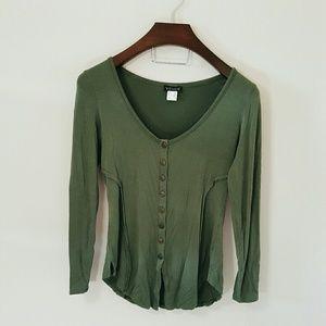 Boutique Tops - Venus military green button up shirt! Ruffles!