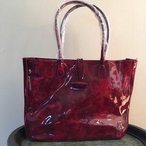 Elizabeth Arden Handbags - Elizabeth Arden Bundle,Tote &Makeup  Case.💖💖💖💖