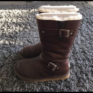 UGG Shoes - Authentic {UGG} Kensington. Size 7.