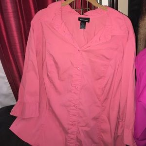 Avenue Tops - Great plus size button down shirt