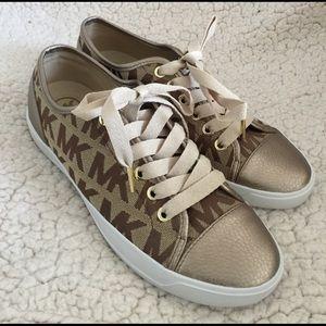 Michael Kors Shoes - NEW🎈MICHAEL KORS sneaks