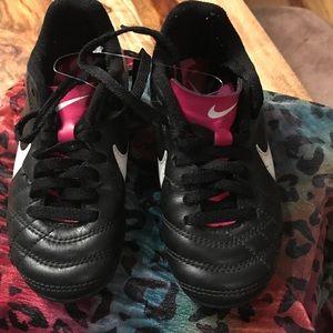 Nike  Other - Unisex Soccer Cleats Blk/Pnk Sz 10