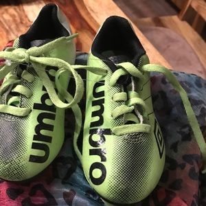 Umbro Other - Unisex Soccer Cleats Green Sz 9