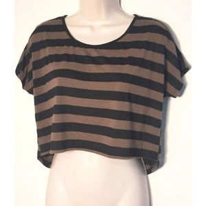 Charlotte Russe Tops - ❣BOGO 1/2 off❣High low striped crop top xs