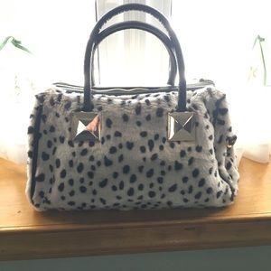 Adrienne Landau Handbags - 🖤 NWOT - ADRIENNE LANDAU FAUX FUR HANDBAG 🖤