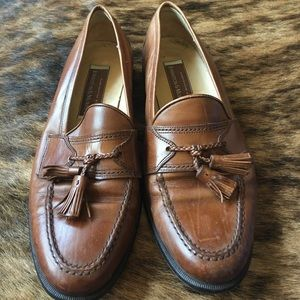 Johnston & Murphy Other - Johnston Murphy size 10 leather slip on's