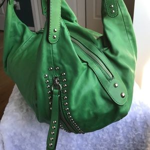 B MAKOWSKY Handbags - B MAKOWSKI GREEN LEATHER HANDBAG