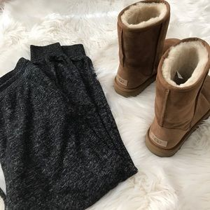 UGG Shoes - HP❤️💕 Ugg Classic Short Boots