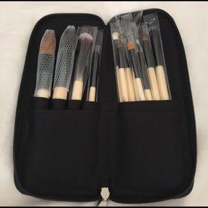 Studio Other - Brand-New Studio Make-Up Brush Set