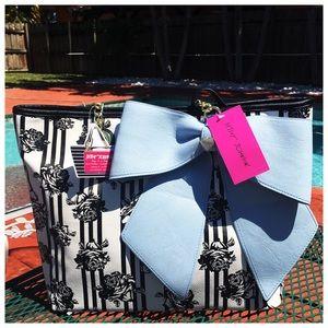 Betsey Johnson Handbags - 🆕Betsey Johnson Sensational in A! Tote w/Wristlet